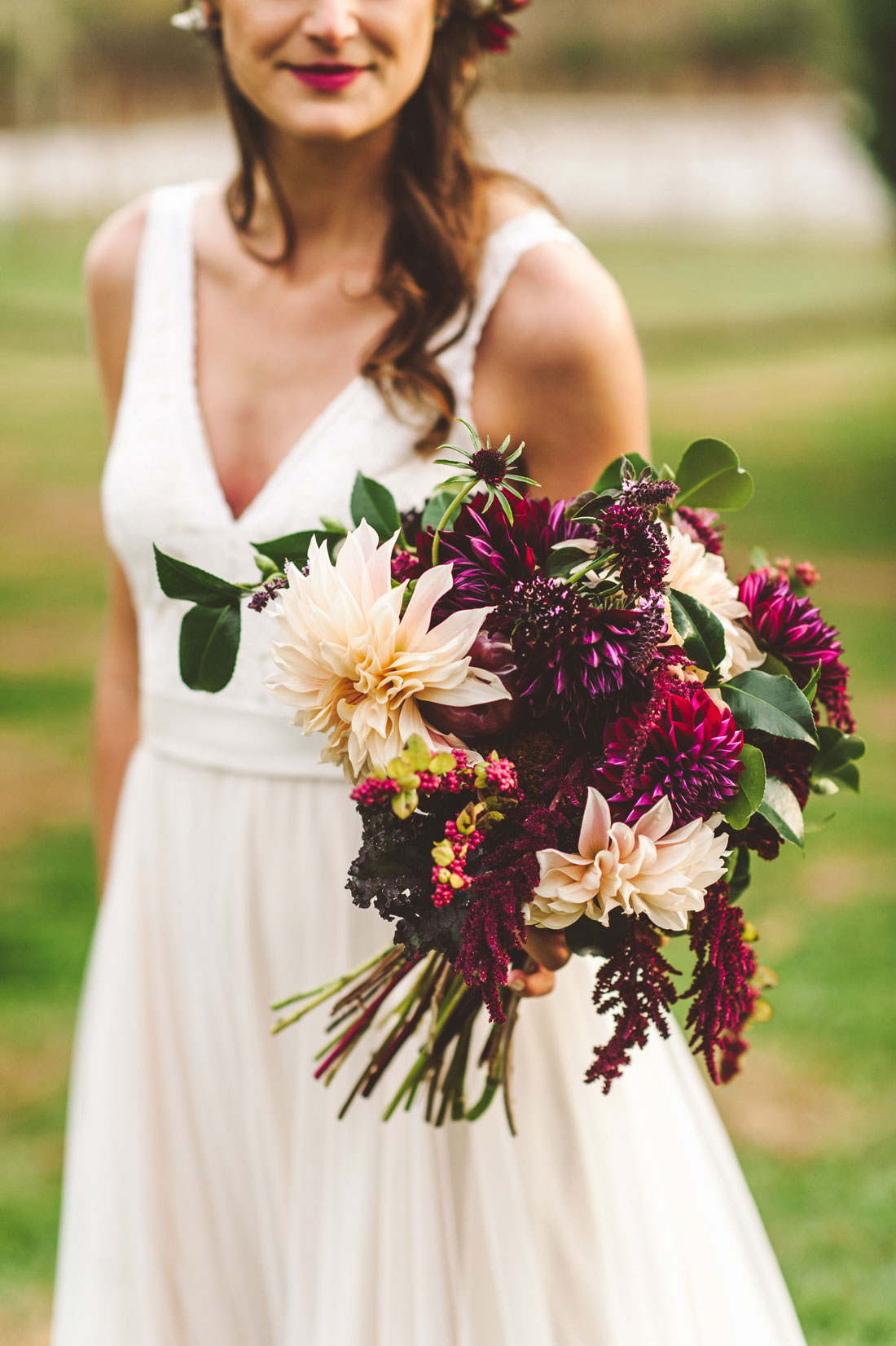 Hand in Hand Wedding, flowers by LynnVale Studios, photo by Rebekah J. Murray