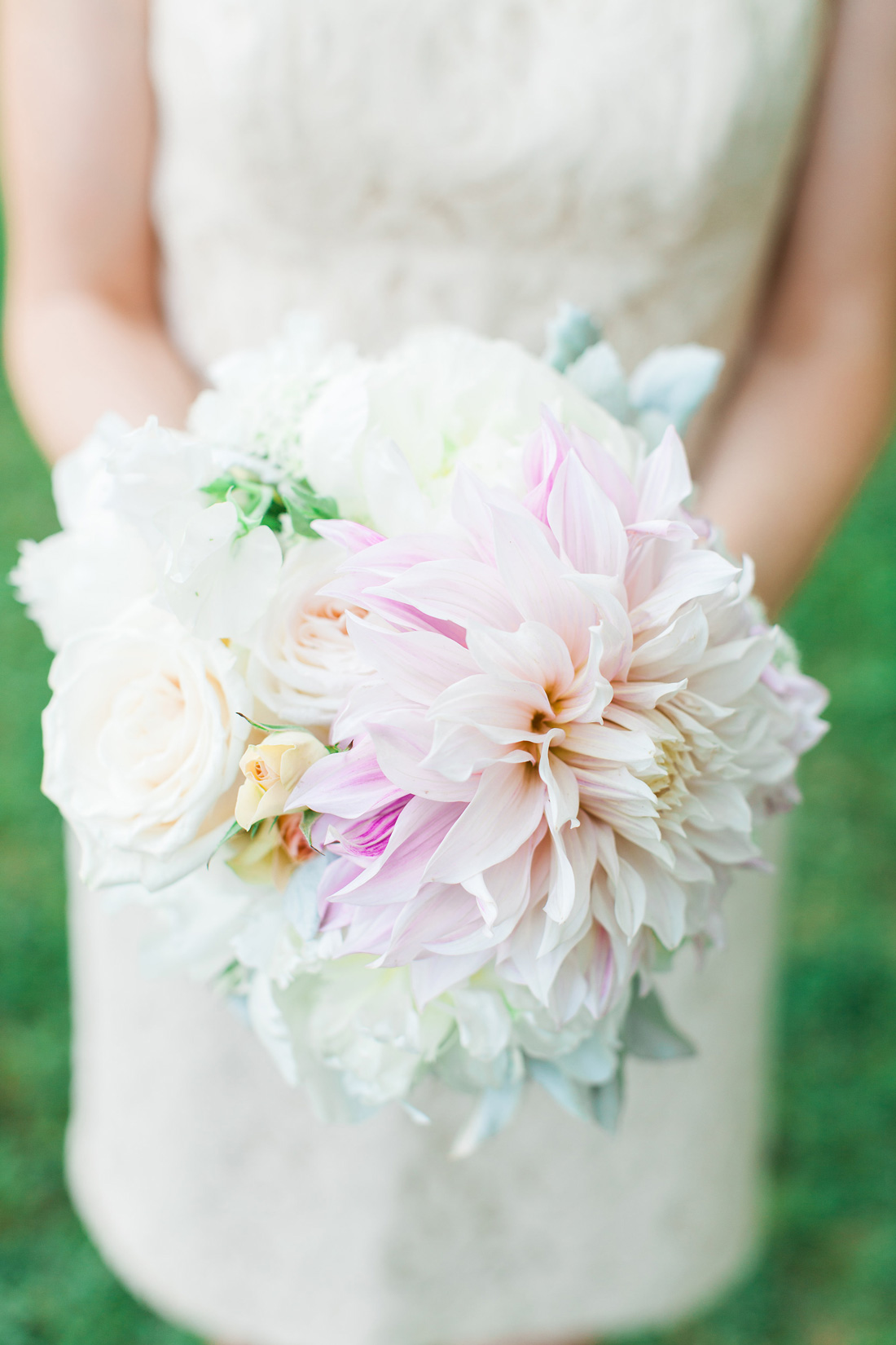 Meant to Be wedding, flowers by LynnVale Studios, Kate Nesbitt Photography